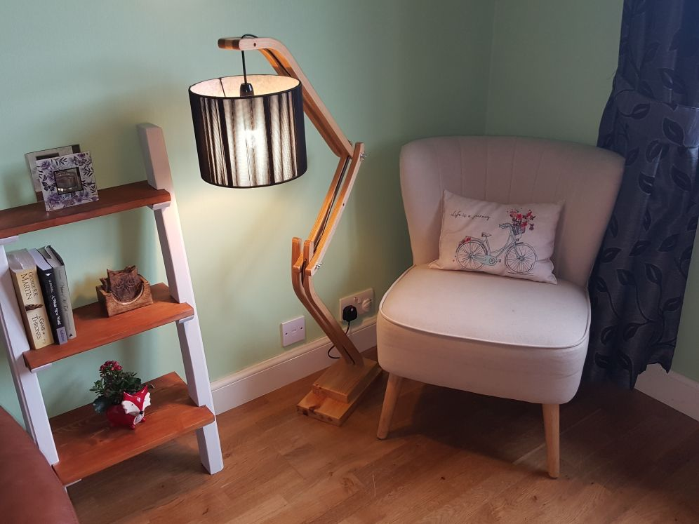 Picture of Articulated Lamp.