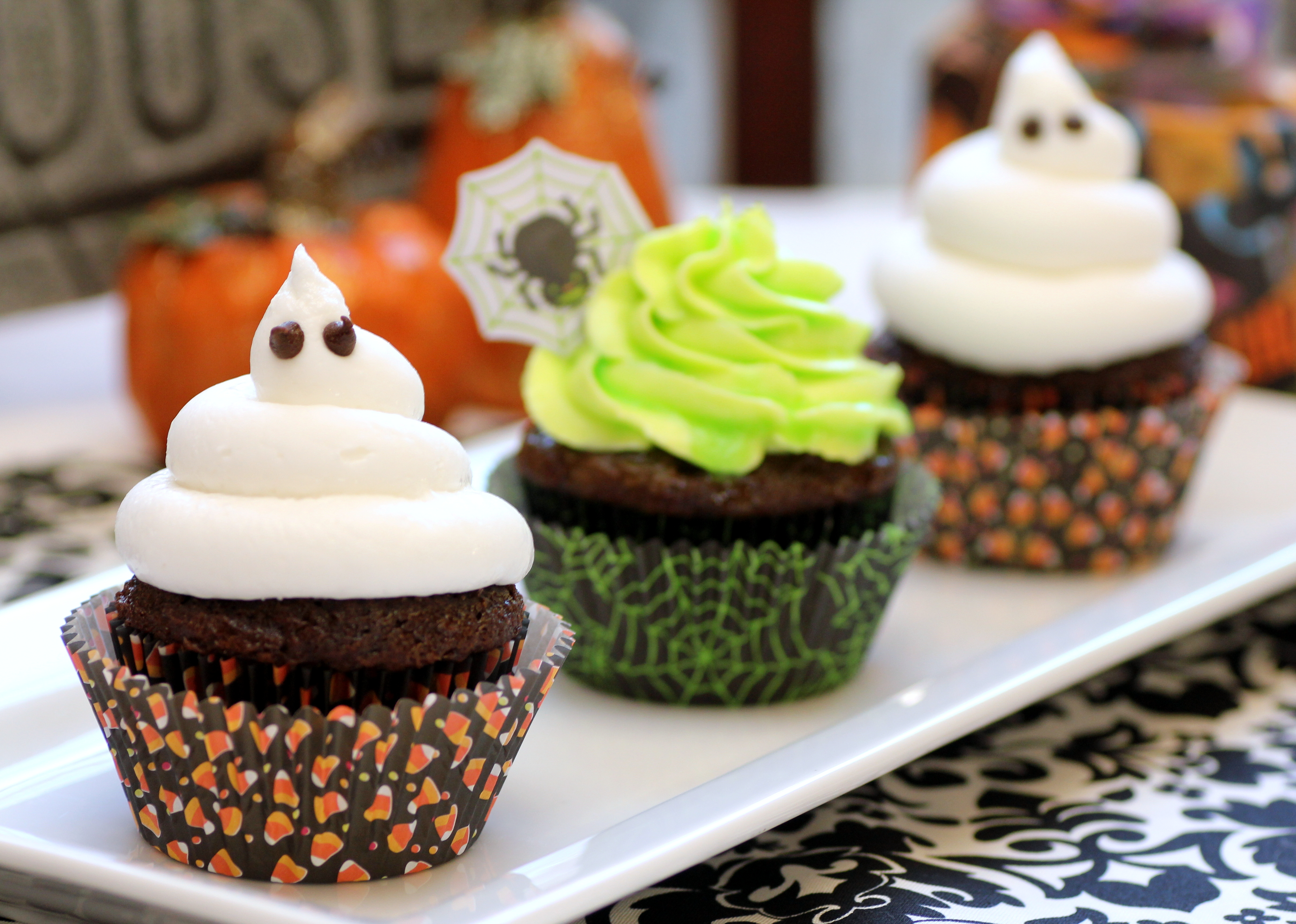 Picture of Ghoulishly Glowing Cupcakes