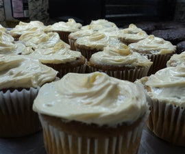 Super Simple Pumpkin Cupcakes