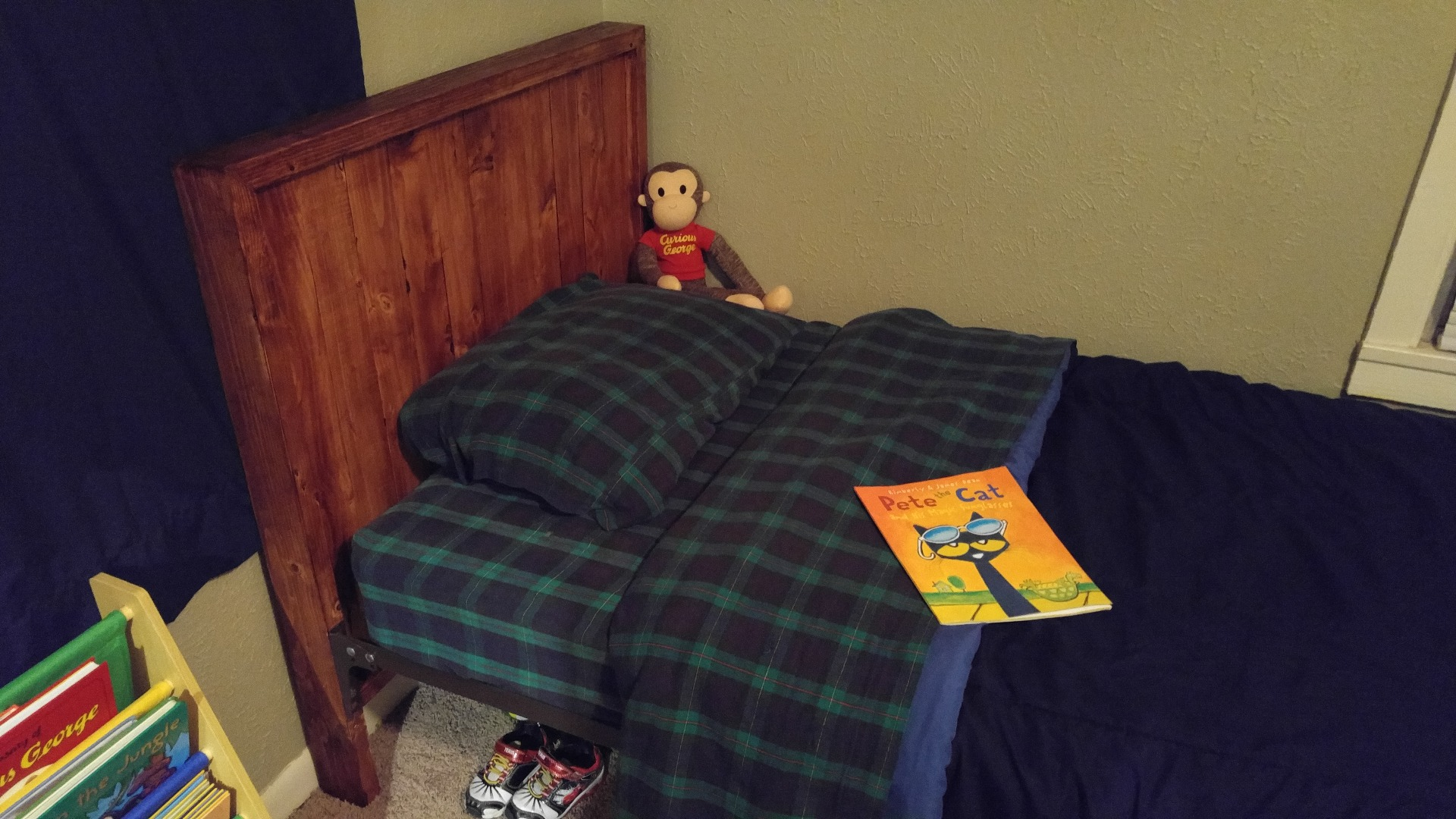 """Picture of Cabin Style Bed Frame (from 2""""x4""""s)"""