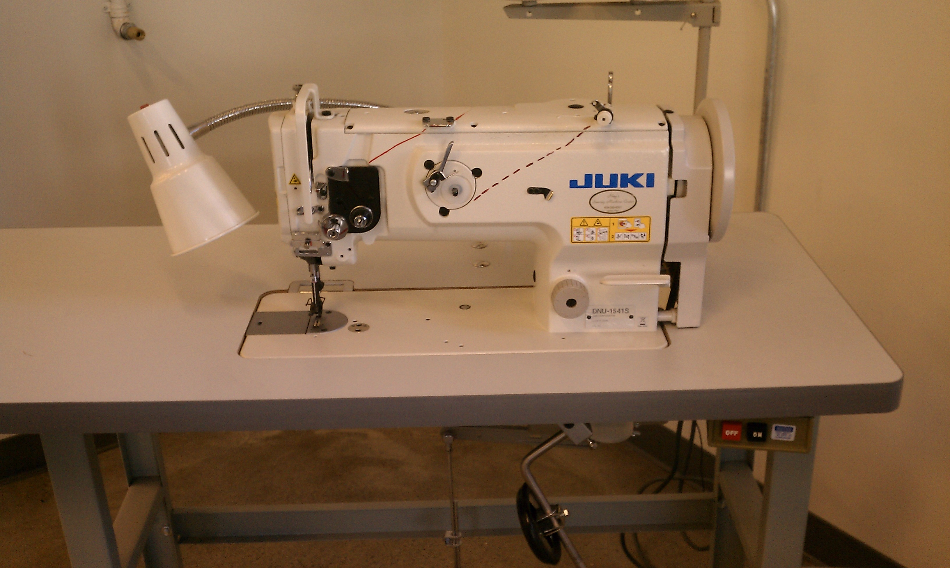 Picture of Re-engage the Safety Clutch on Walking Foot Sewing Machine