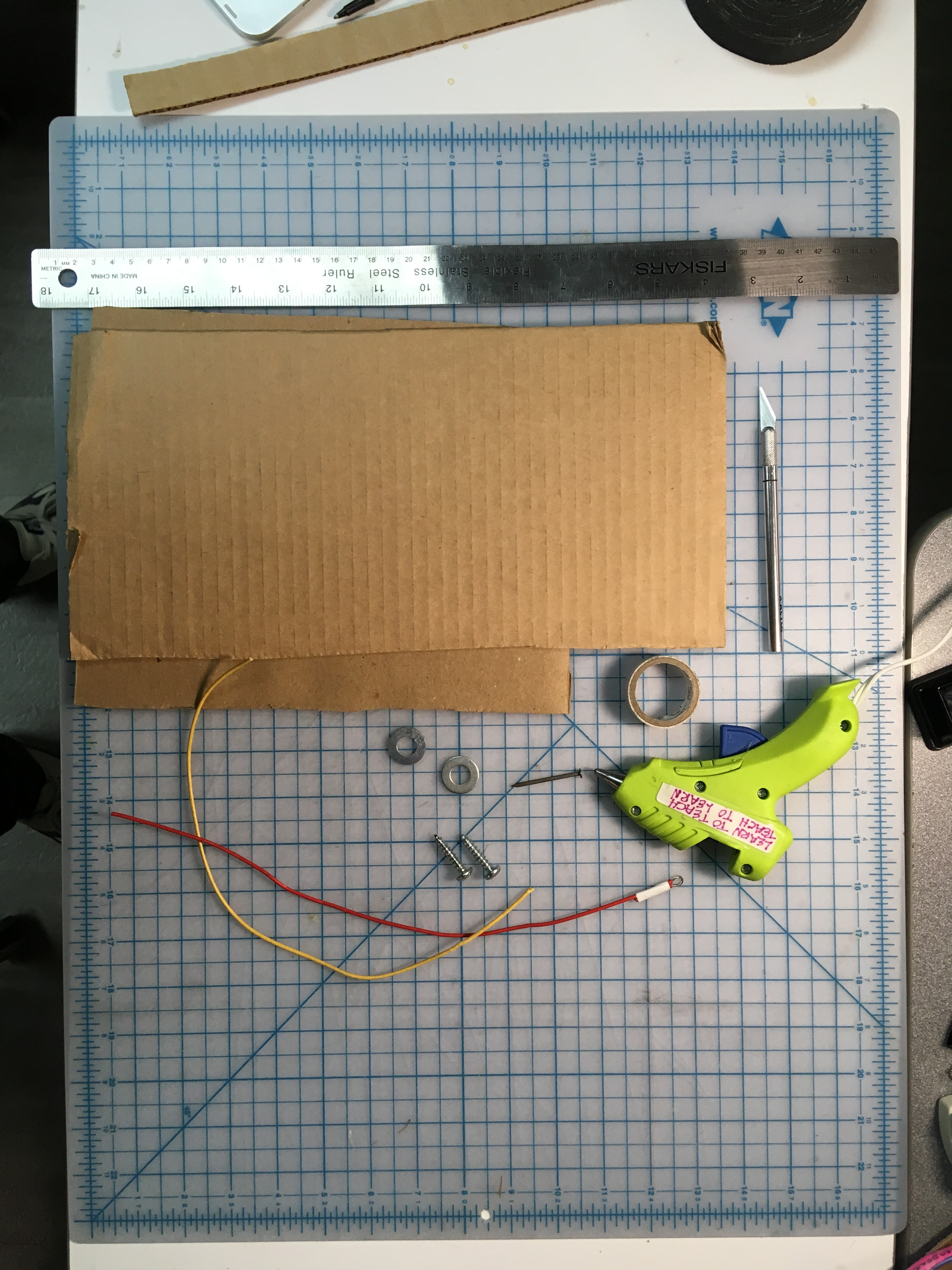 Picture of Slap Switch: Simple, No-Solder Touch Switch