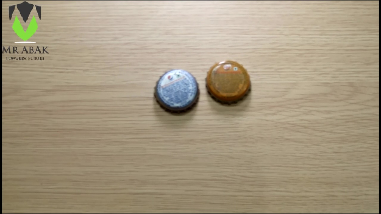 Picture of Bottle Cap Badges : Painting the Caps