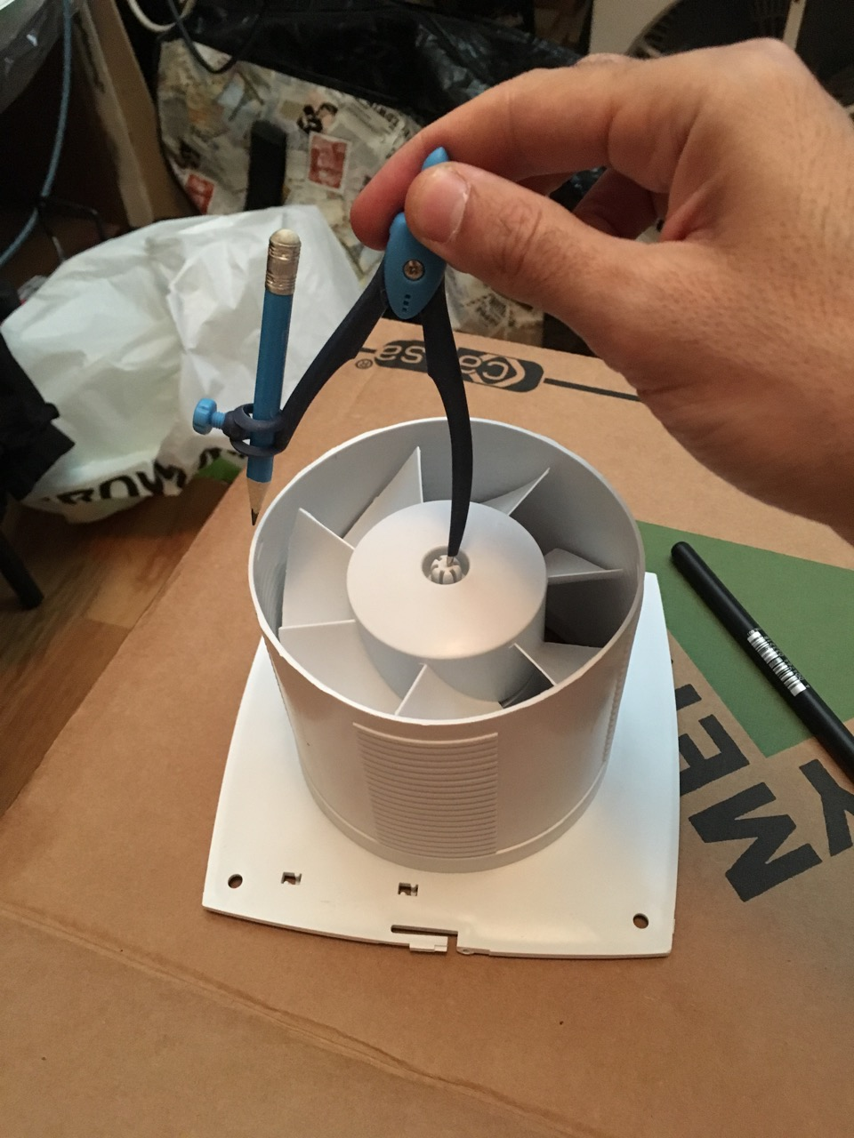 Picture of Making the Hole and Inserting the Extractor