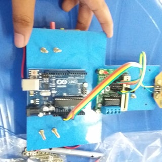 Arduino Line Follower With PID and 90 Degree Turns