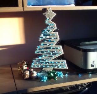 DIY Mini Wooden Christmas Tree