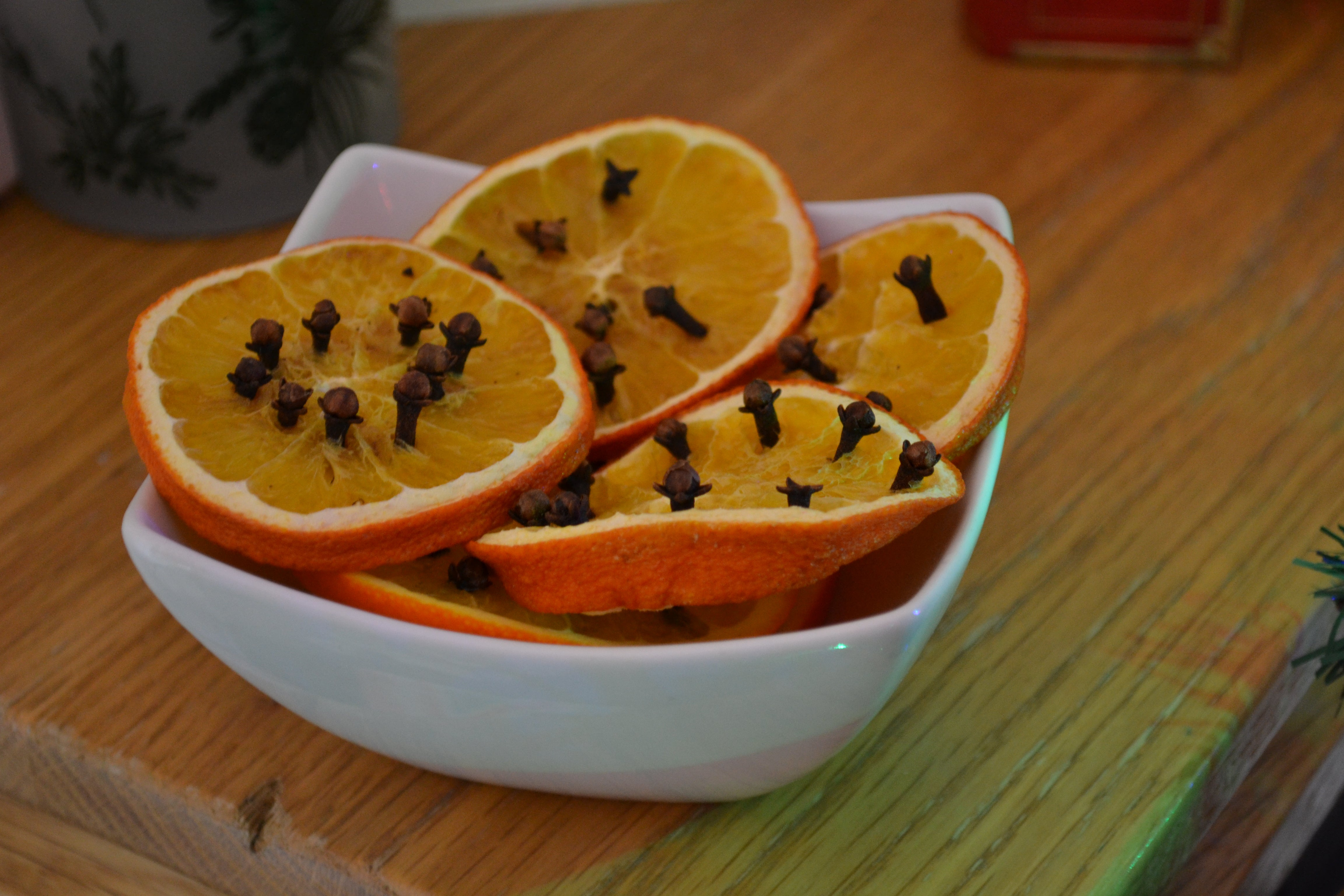 How To Make Your House Smell Like Christmas With Oranges