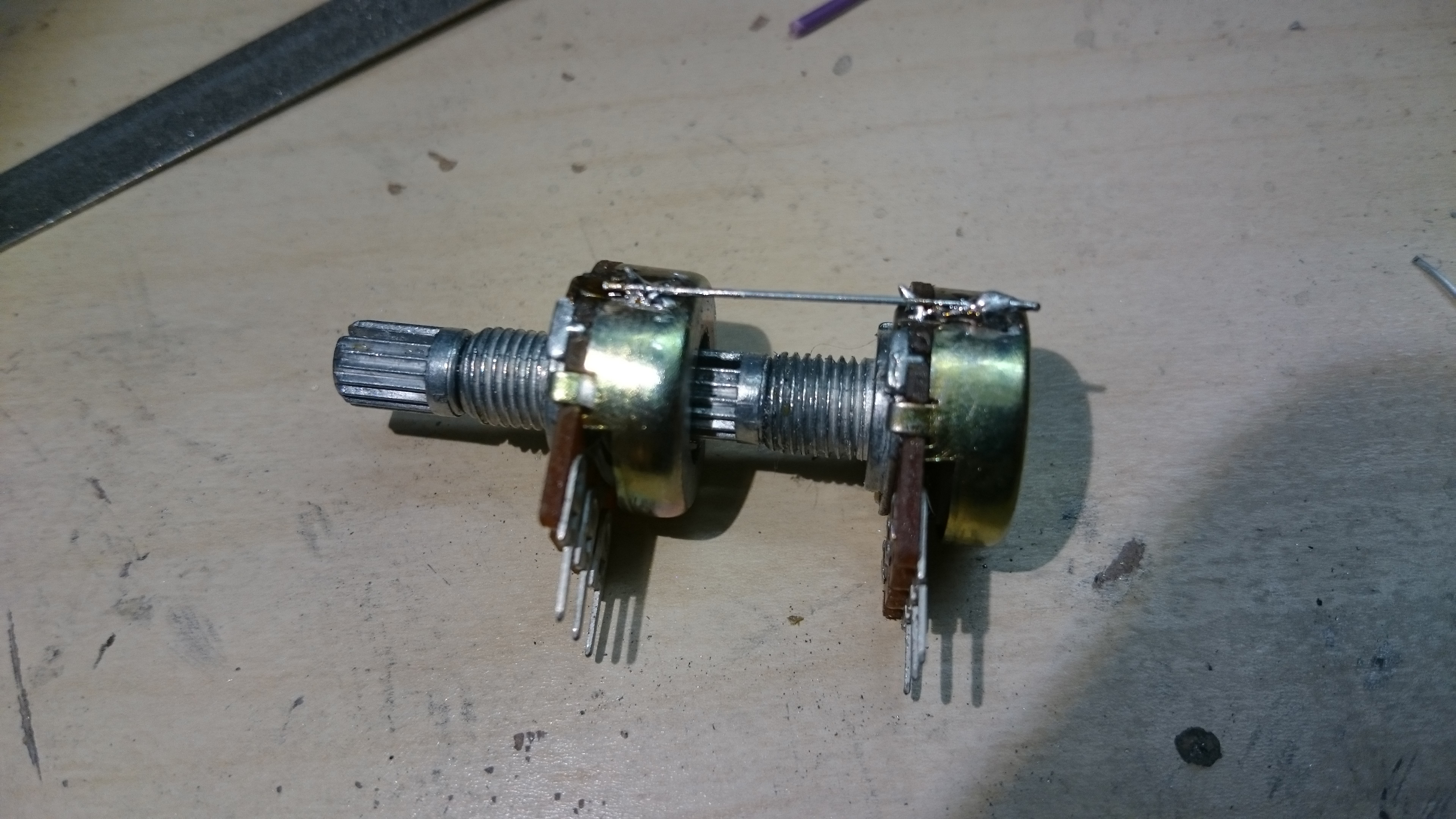 Picture of Build a Dual Potentiometer From Two Traditional Potentiometer
