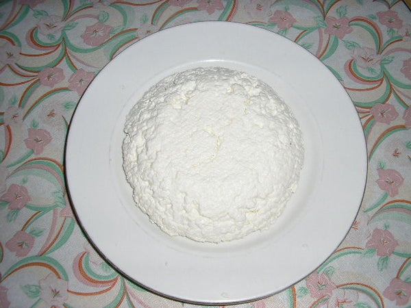 Kitchen Laboratory: Proteins and Cheese Making