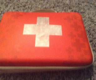 How to Make a First Aid Kit for the Apocalyptic Times