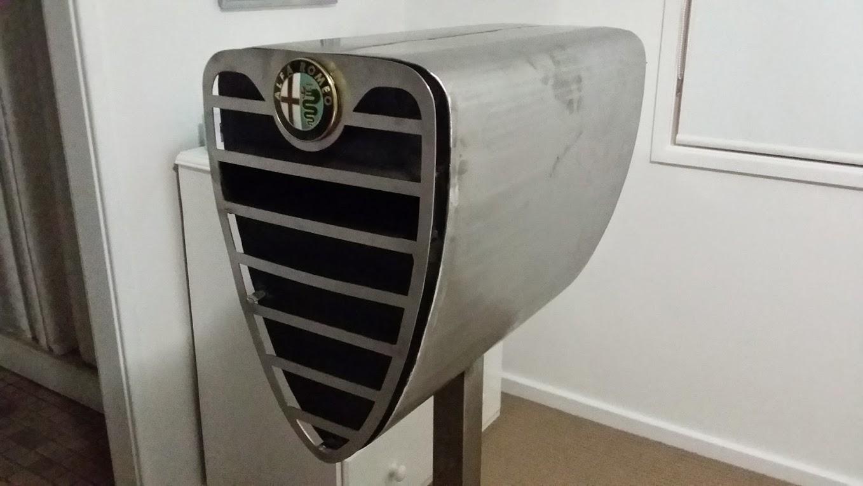 Picture of Alfa Romeo Mailbox