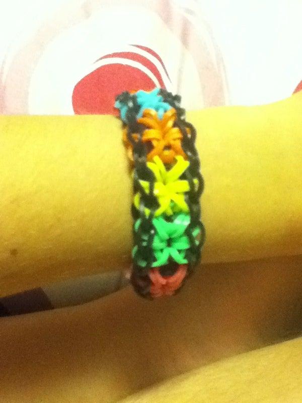 Rainbow Loom Starburst Bracelet
