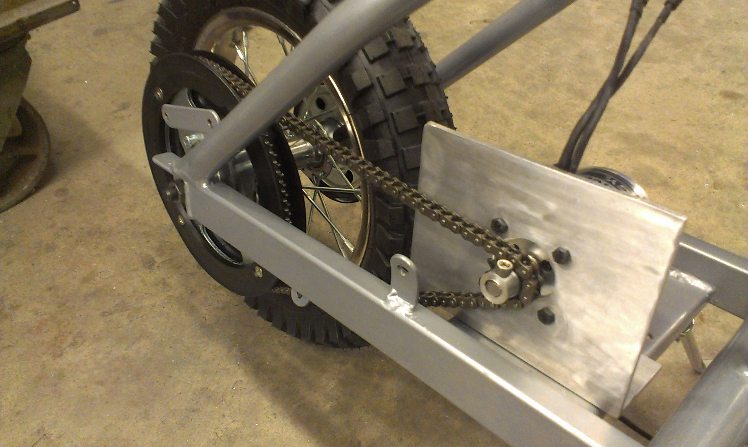 Picture of Mounting the Motor/Drive Train