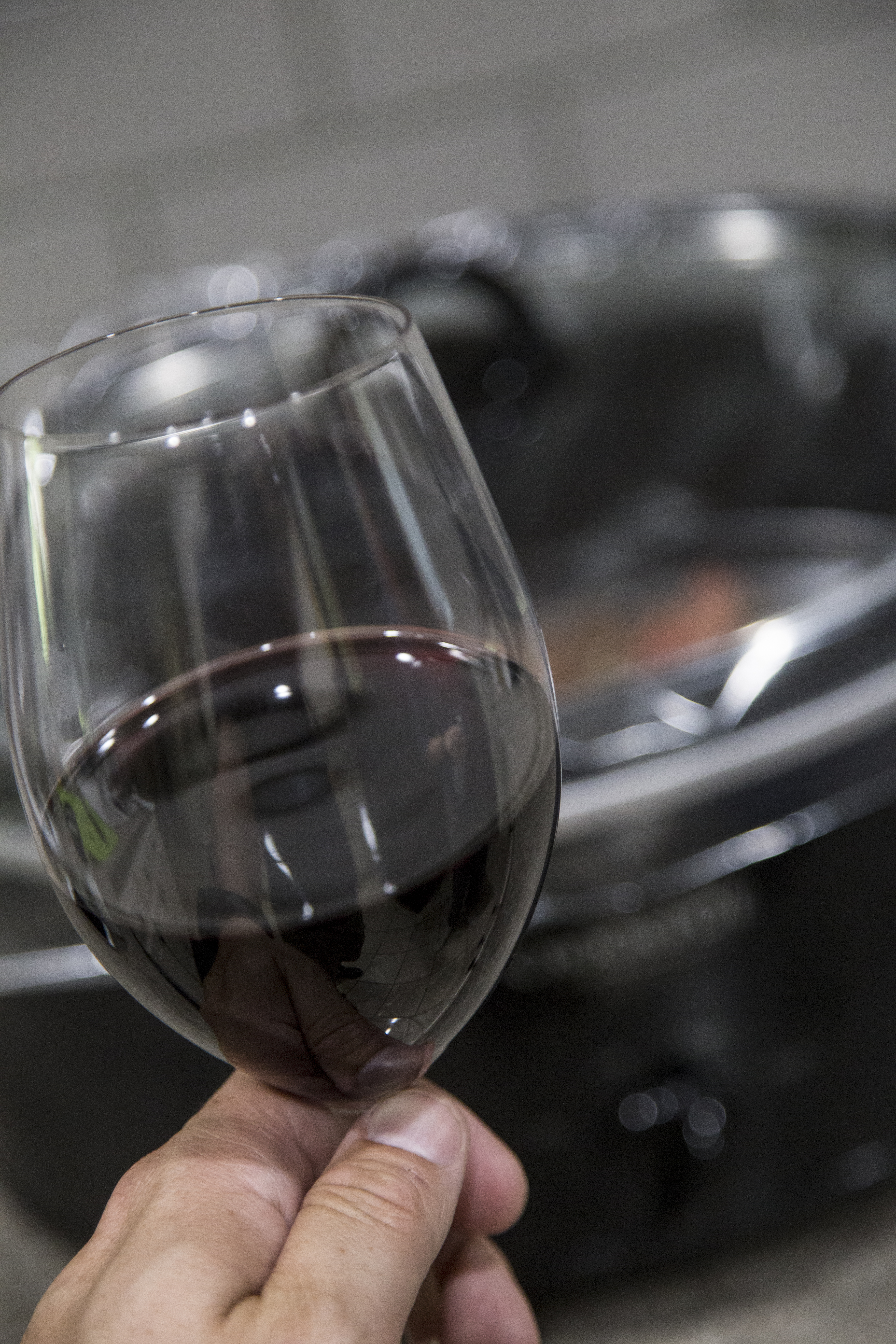Picture of WINE and WAIT