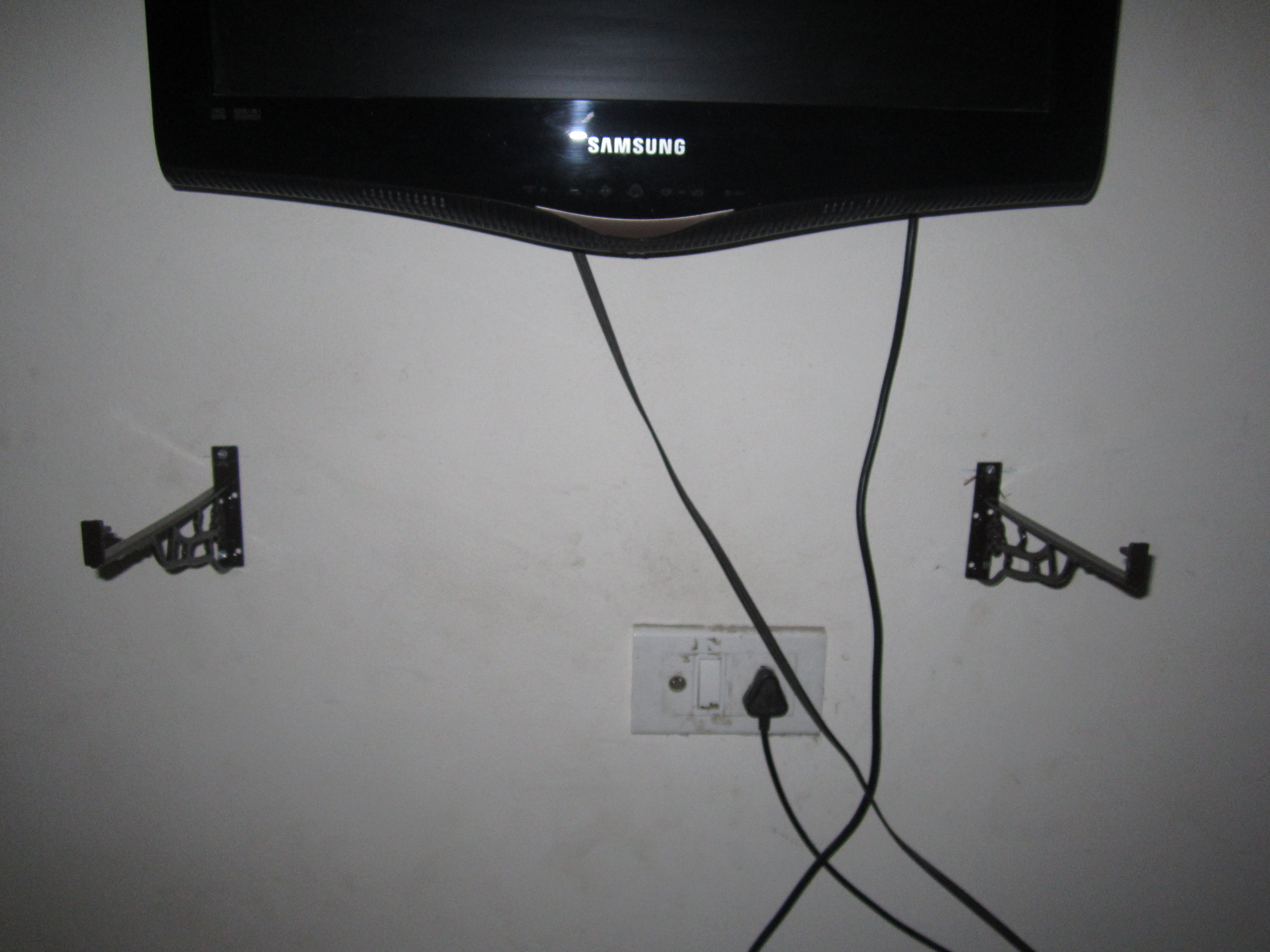 Picture of Wall Hanging Rack for Your LCD TV