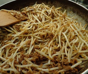 Minced Meat and Bean Sprouts Dinner