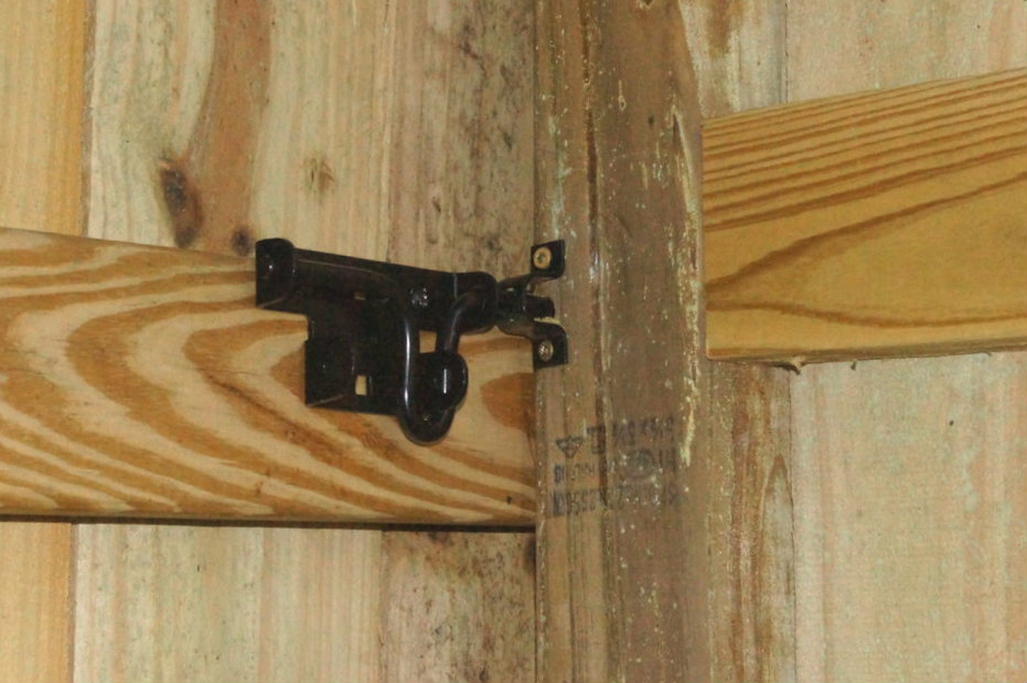 Picture of Installing a Latch