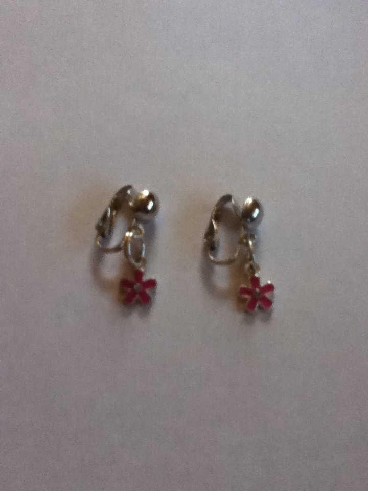 Picture of How to Make Simple Clip on Earings