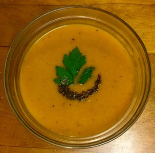 "Delicious ""Pumpkin"" / Red Kuri Soup"