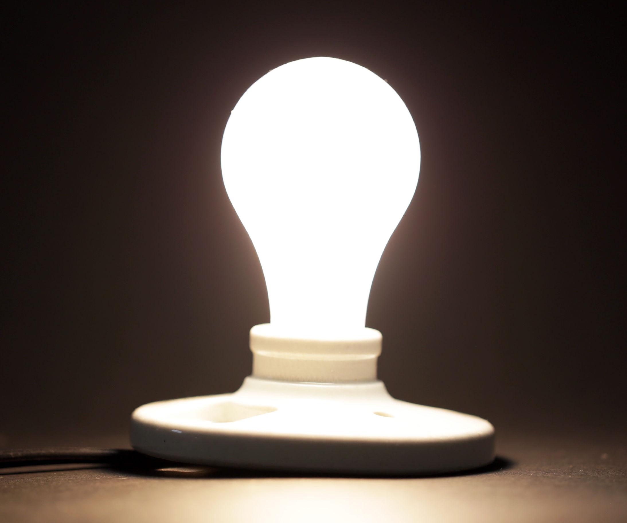 Thread Fluorescent Light Fixture Wiring Question