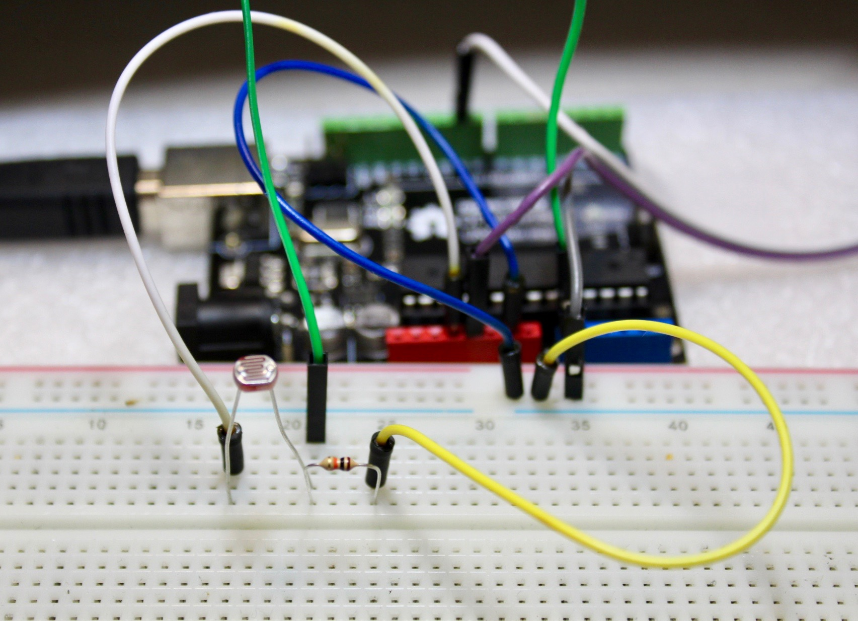 Picture of Connecting the LDR and Servo to the Arduino