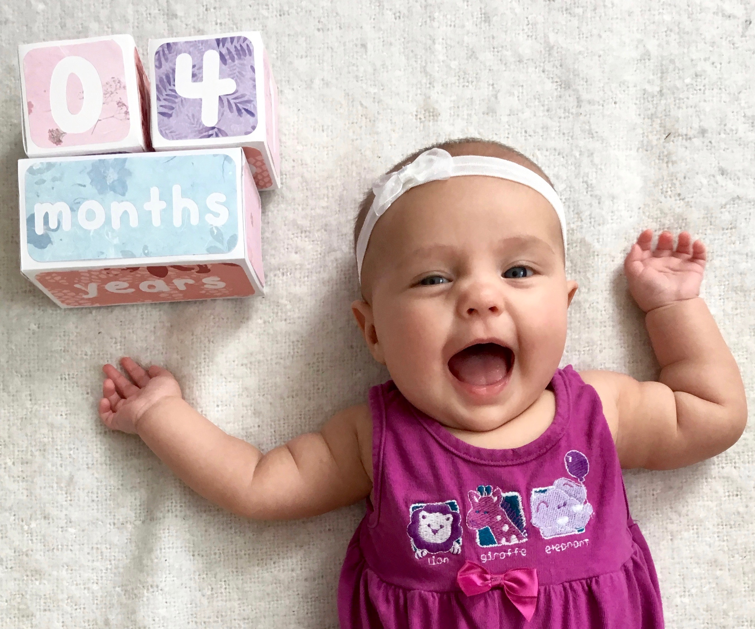 Picture of Paper Baby Age Blocks