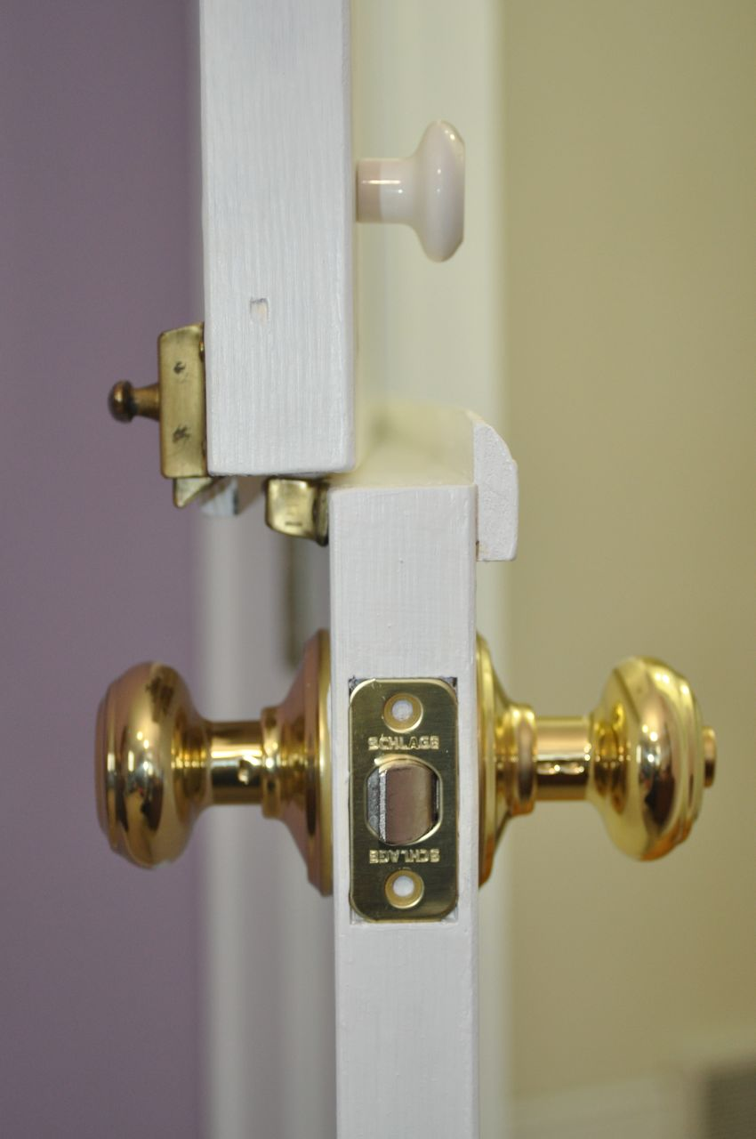 Picture of Door Pull and Upper/Lower Latch