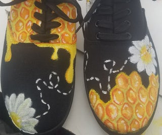 Up-scaling Ordinary Shoes With Paint