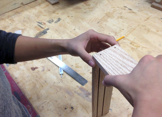 Picture of Attaching Your SIDE Wood Pieces to the Wood BOTTOM