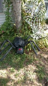 Giant Yard Spider- Cheap Decor