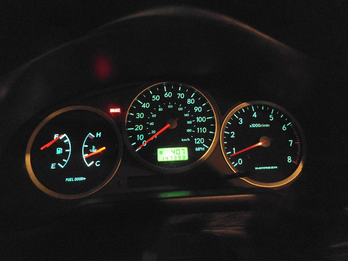 Replace Instrument Panel Lights On 2000   2007 Subaru Impreza: 4 Steps  (with Pictures)