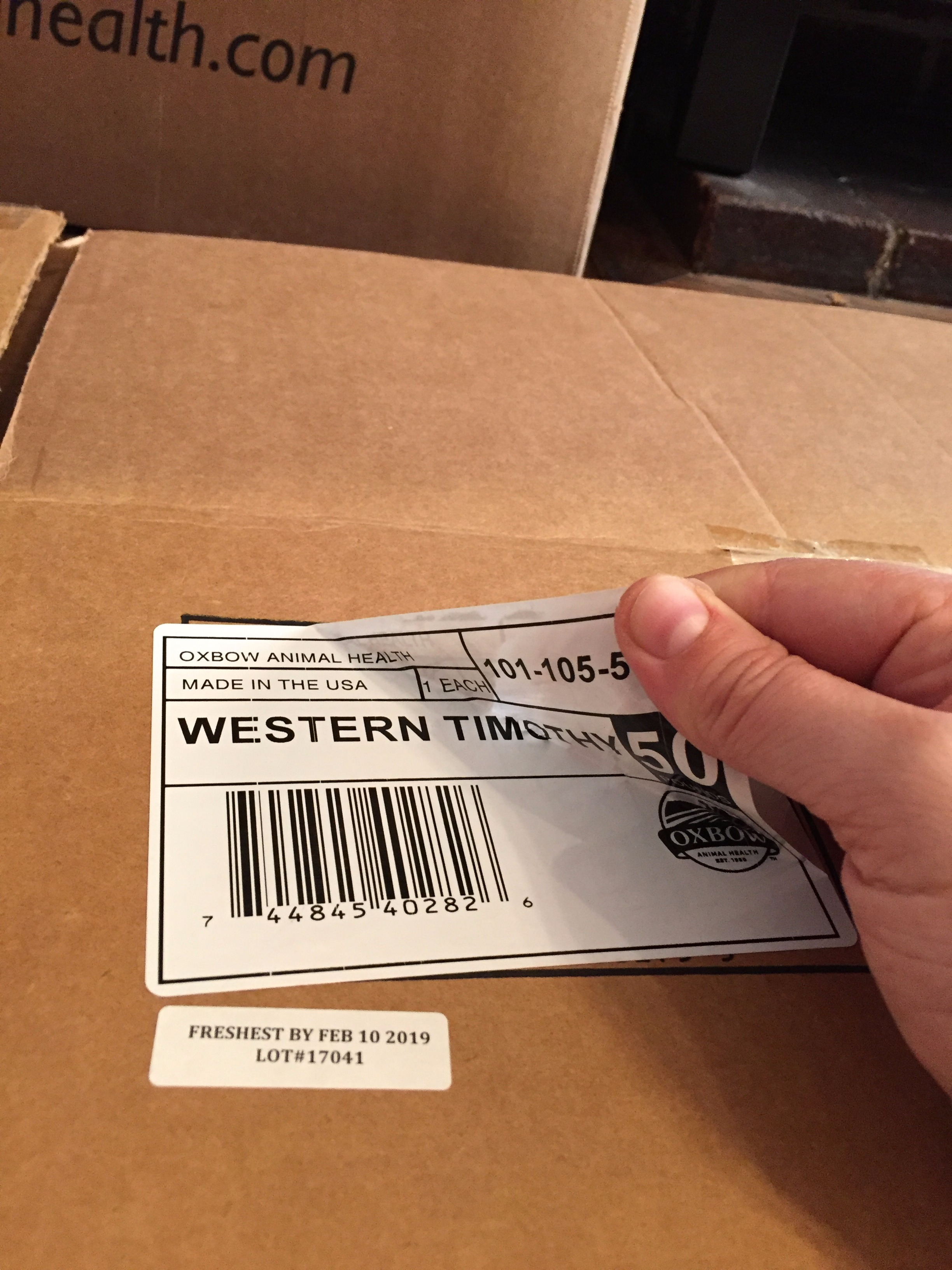 Picture of Remove Tape & Labels From Box