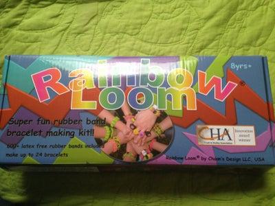 Step1: Make Sure You Have a Rainbow Loom Kit