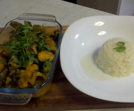 Chicken with Bell Pepper And Spinach Curry