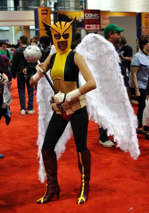 """How to Make a DC's """"Hawkgirl"""" Costume"""