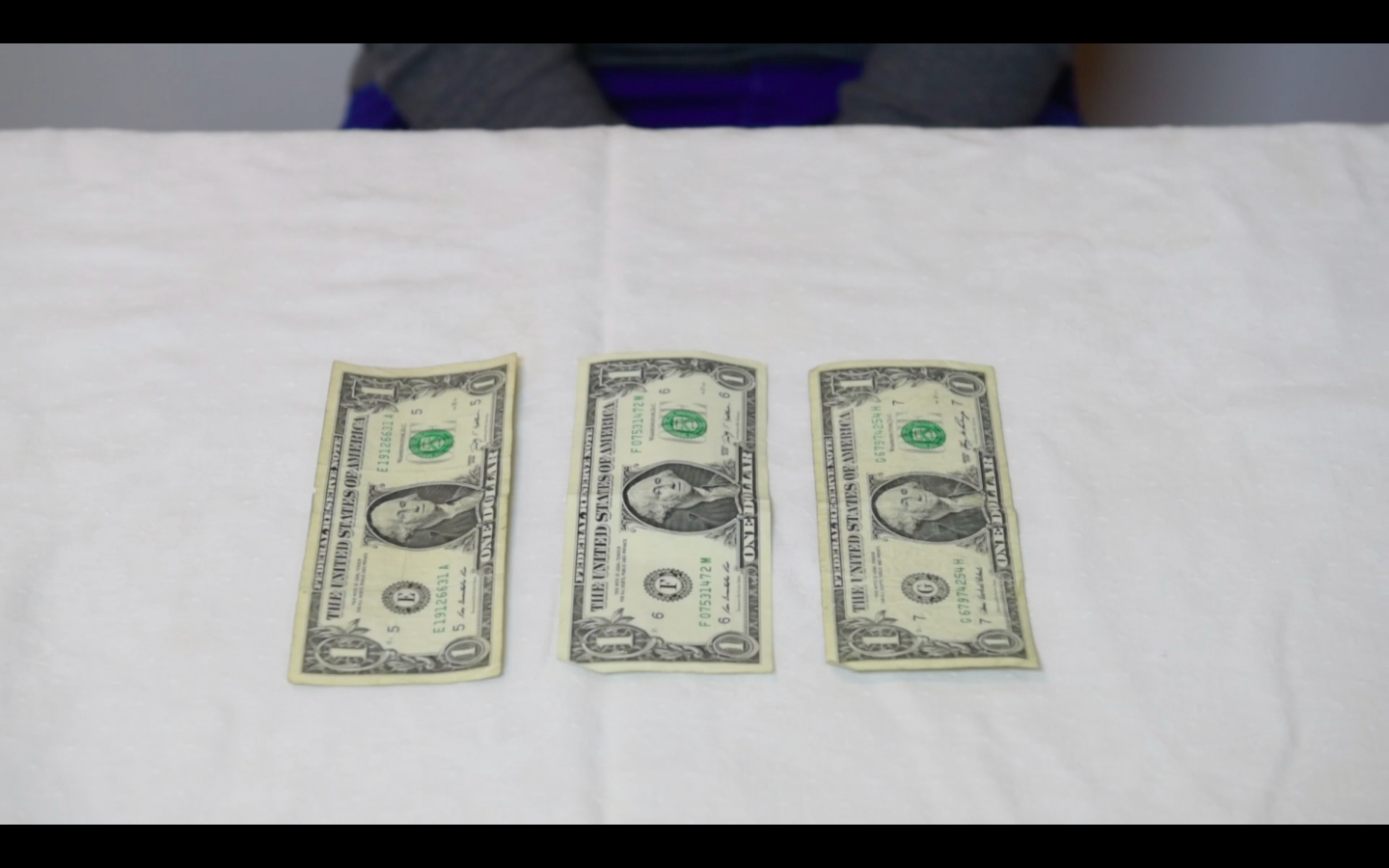 Picture of Origami Flower: How to Fold the Dollar Bills - Fold 1
