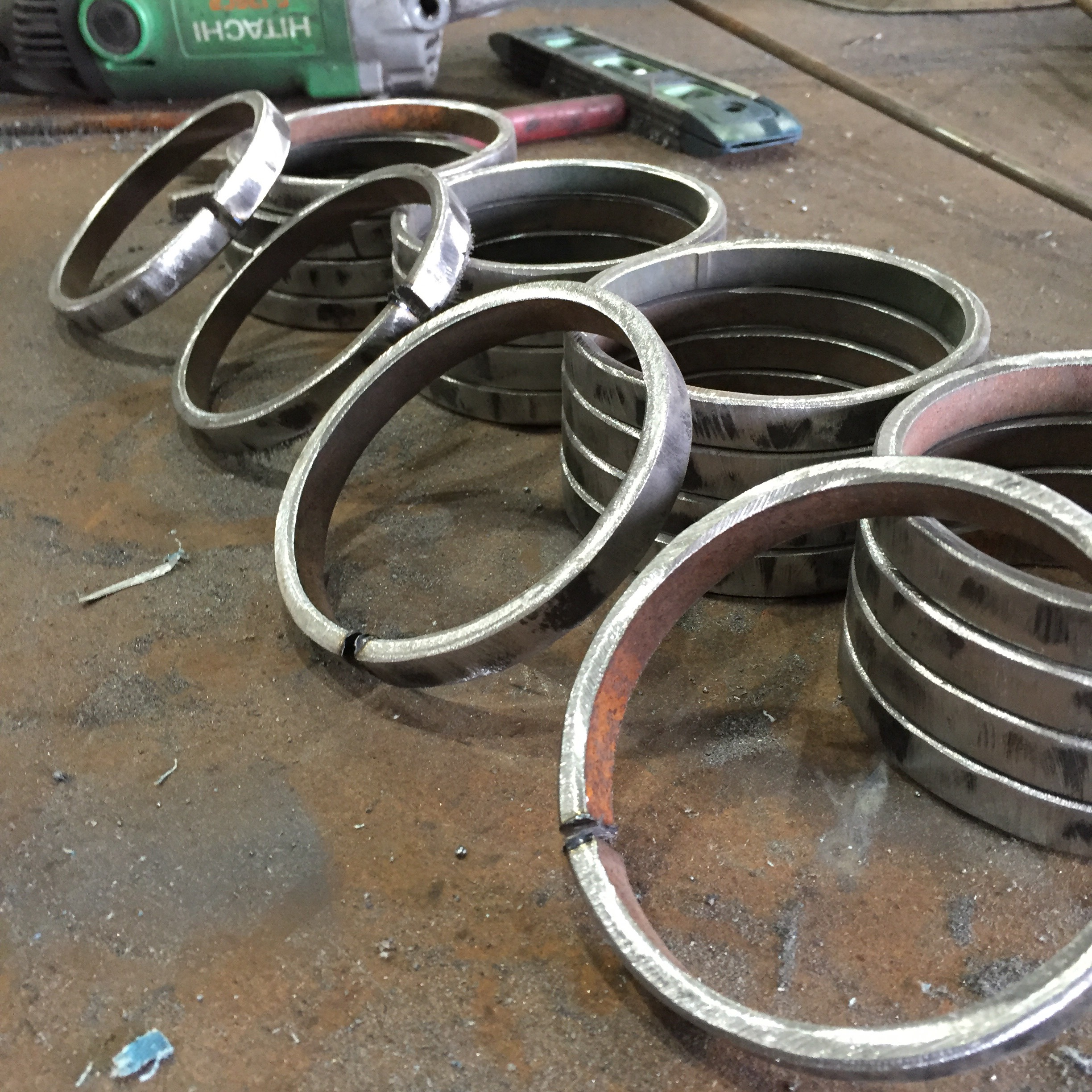 Picture of Making Giant Jump Rings