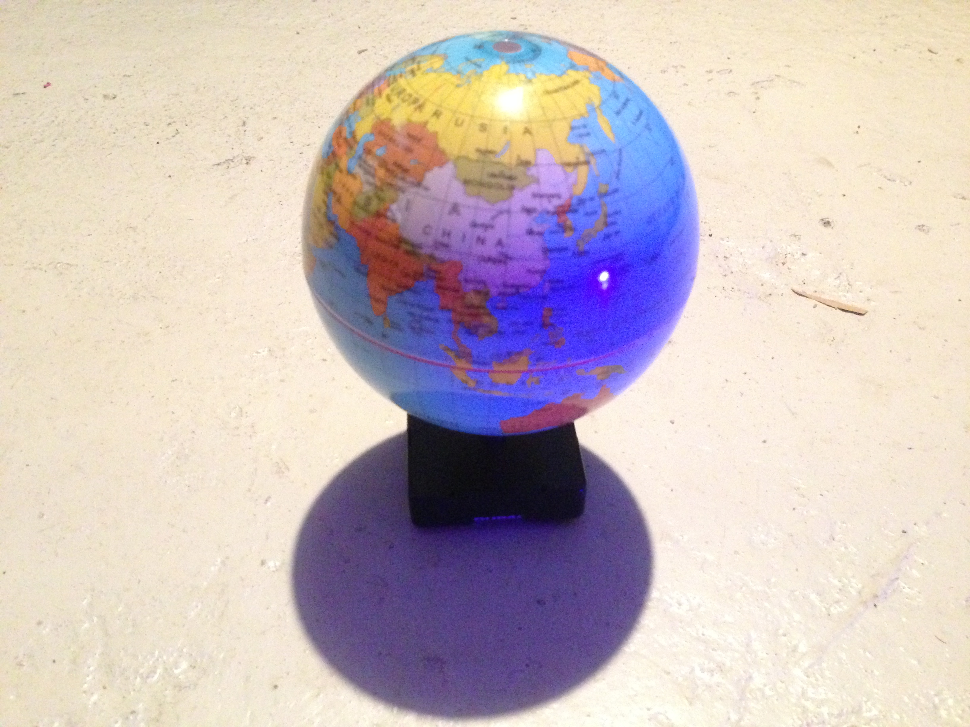 Picture of 24 Hours 1 Cycle Spinning Globe.