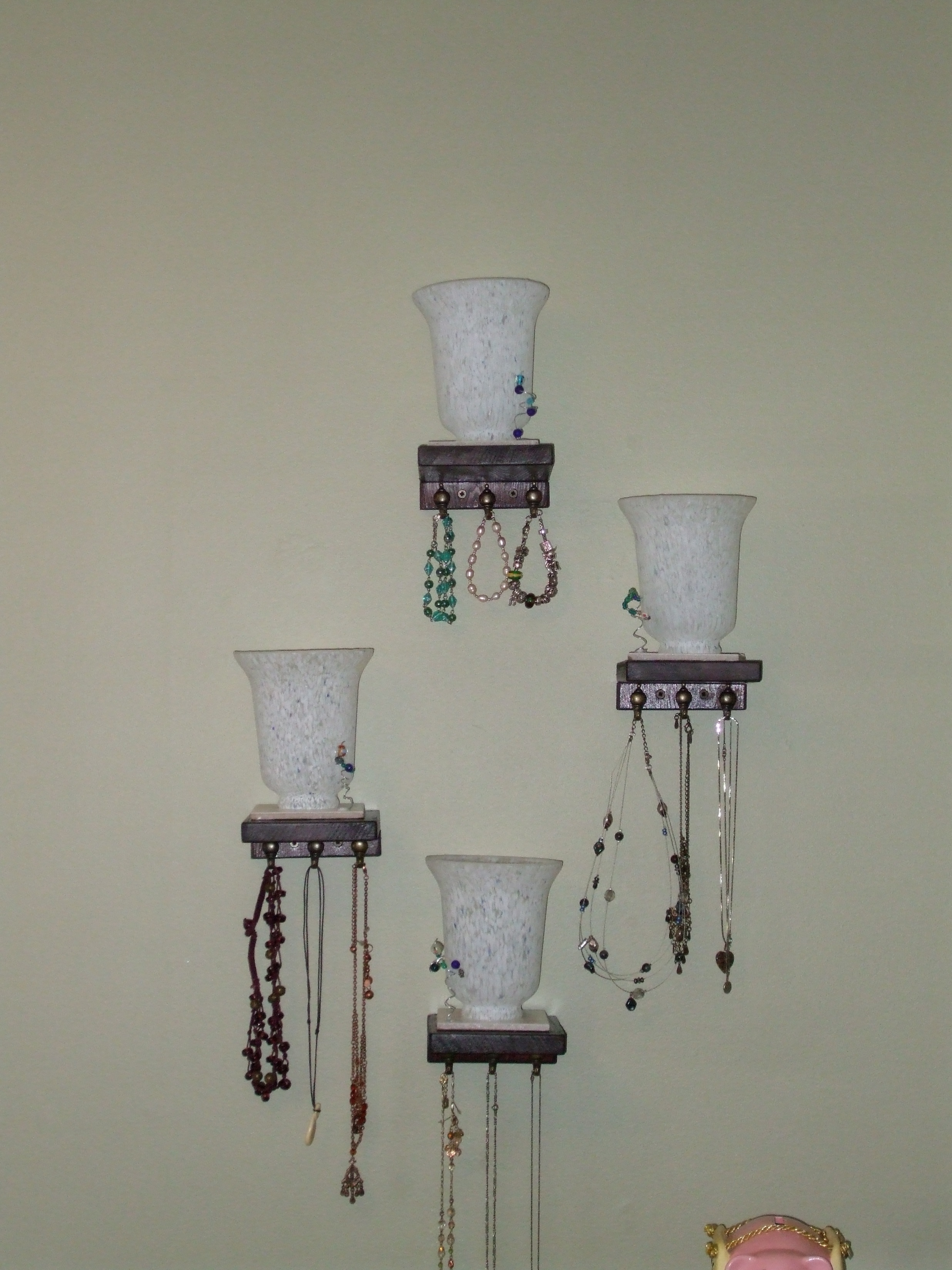 Picture of Wall Mount and Add Jewelery