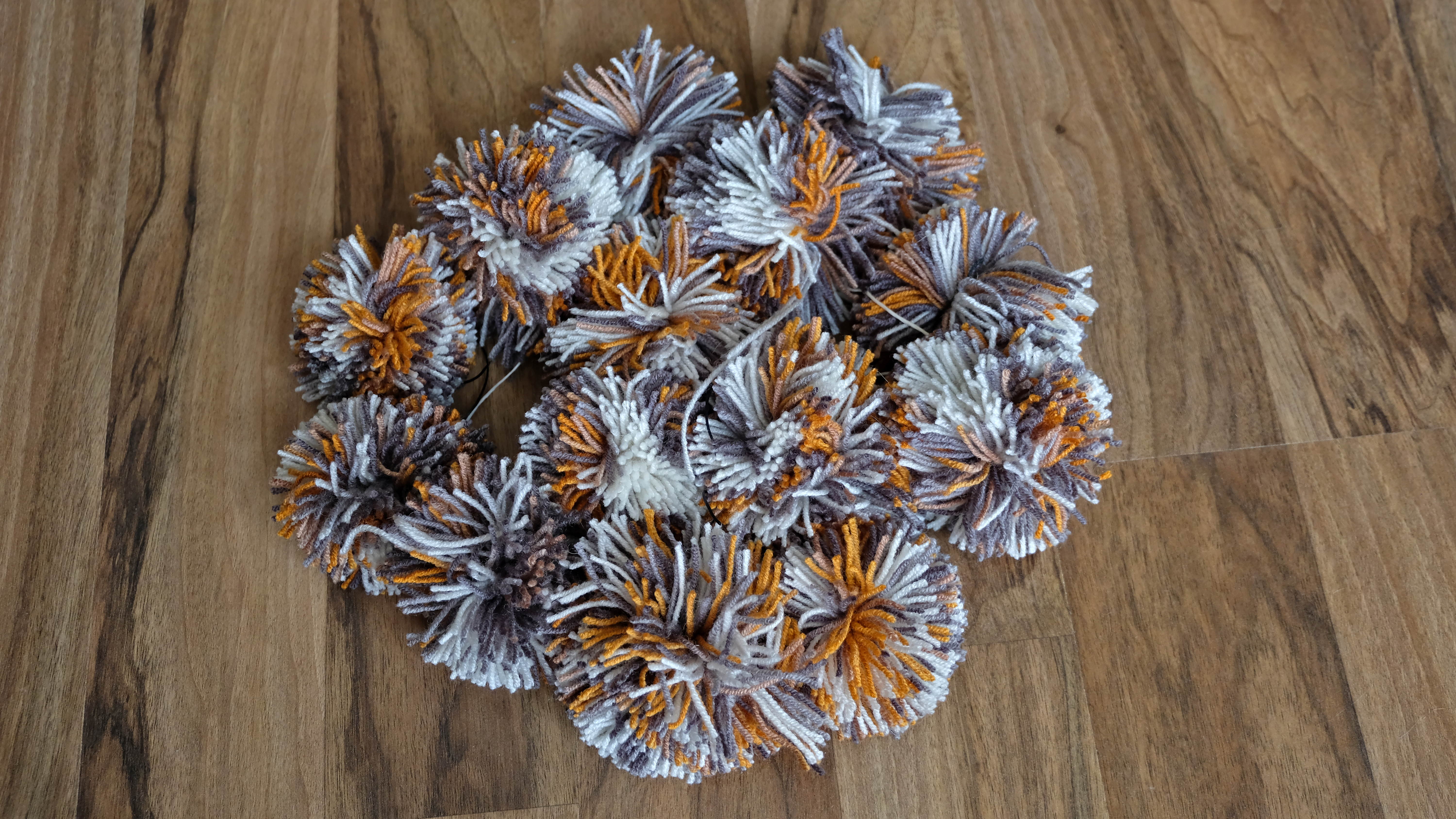Picture of Chose the Pompom's Size