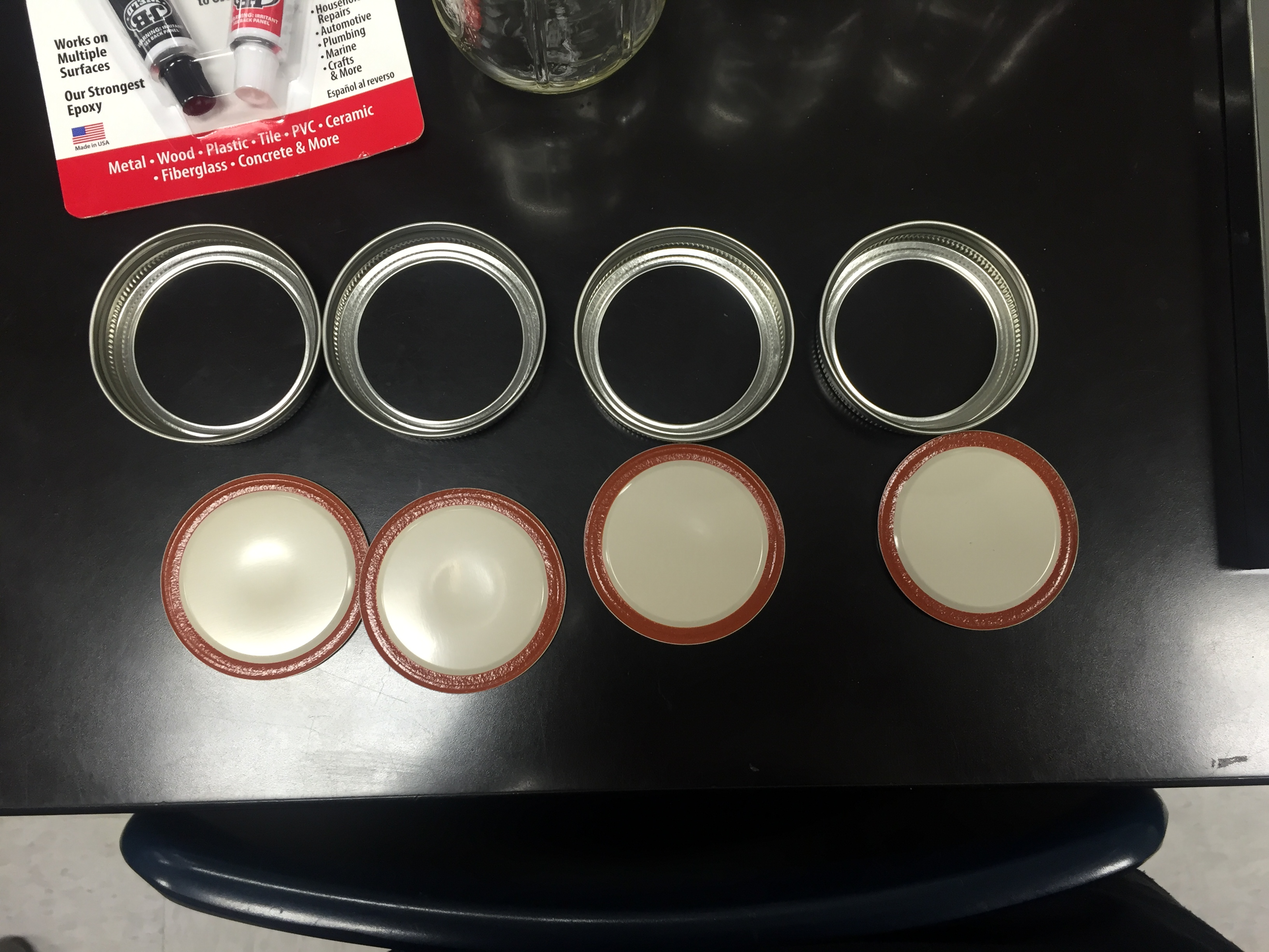 Picture of Remove Lids From Mason Jar