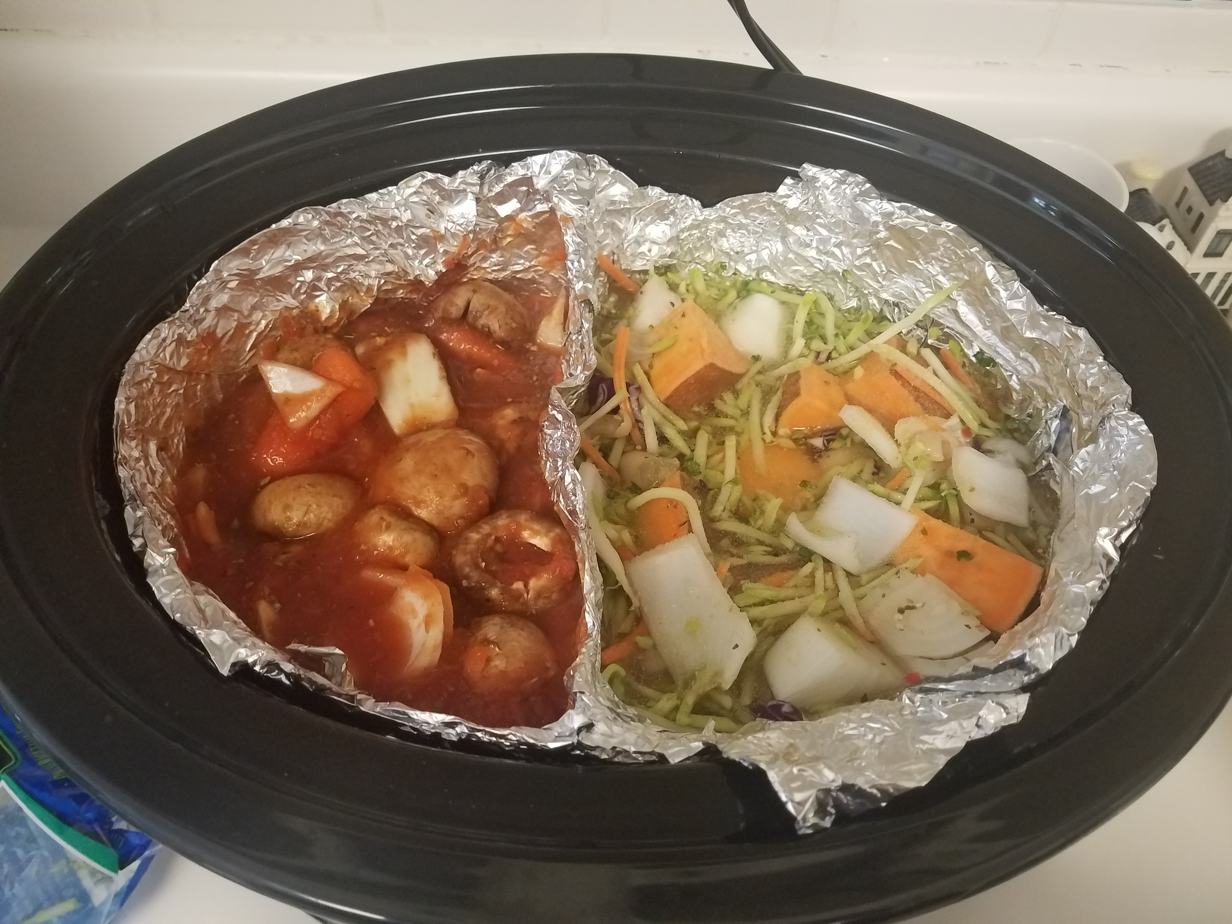 Picture of Slow Cooker Meal Divider