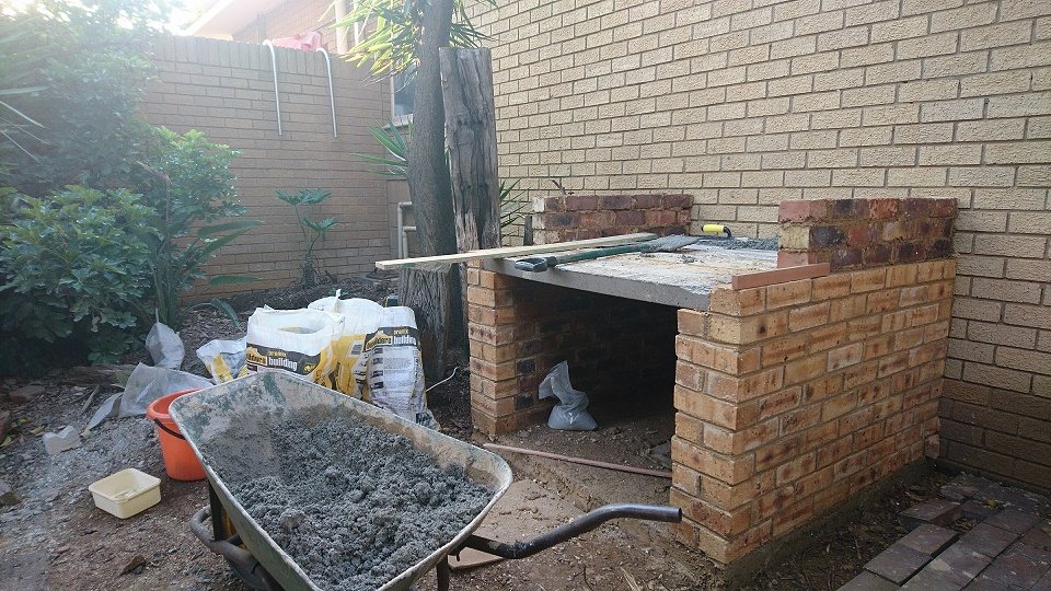 Picture of Building Up Oven Walls and Floor