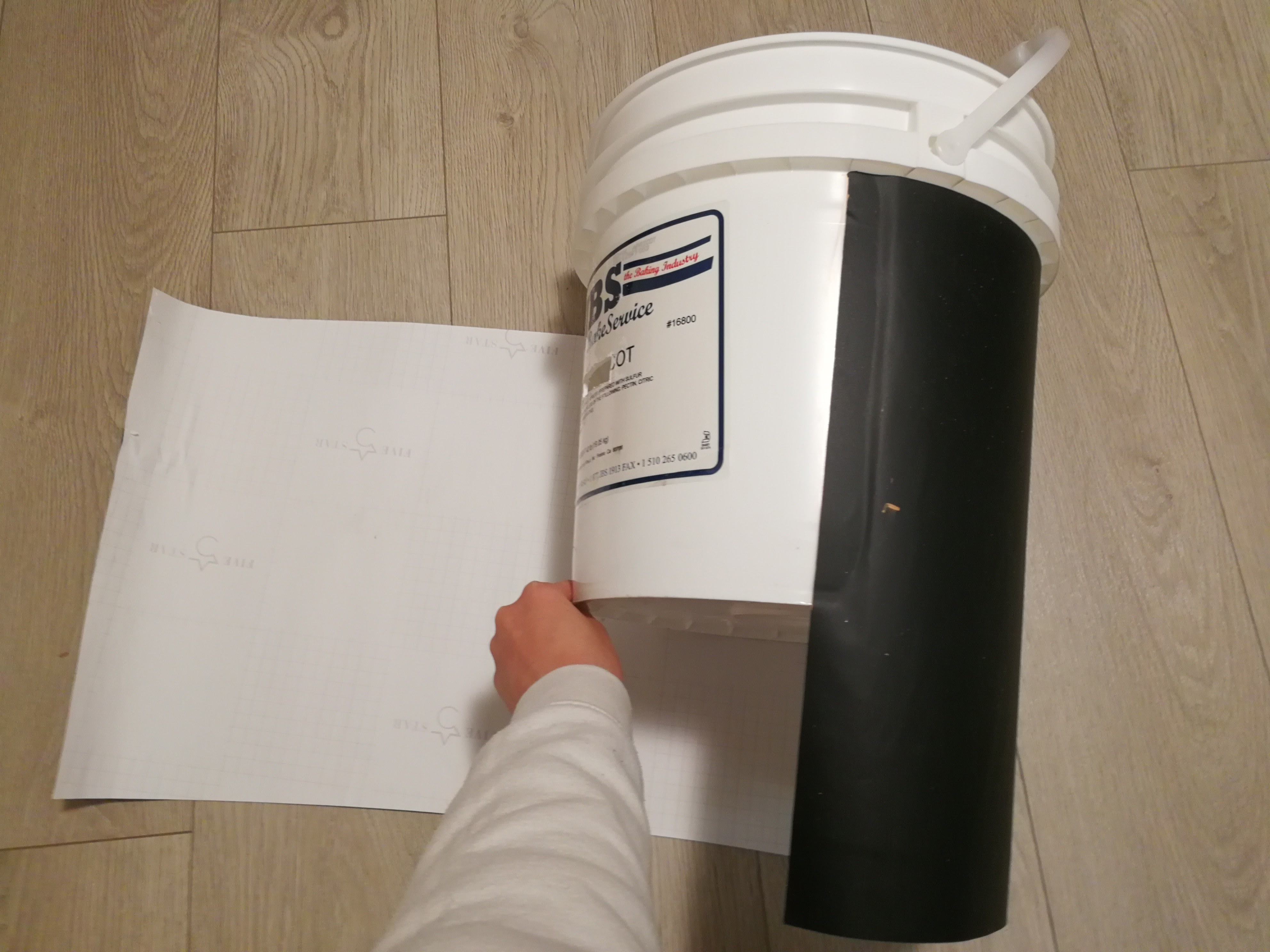 Picture of Cover the Bucket for the Plant