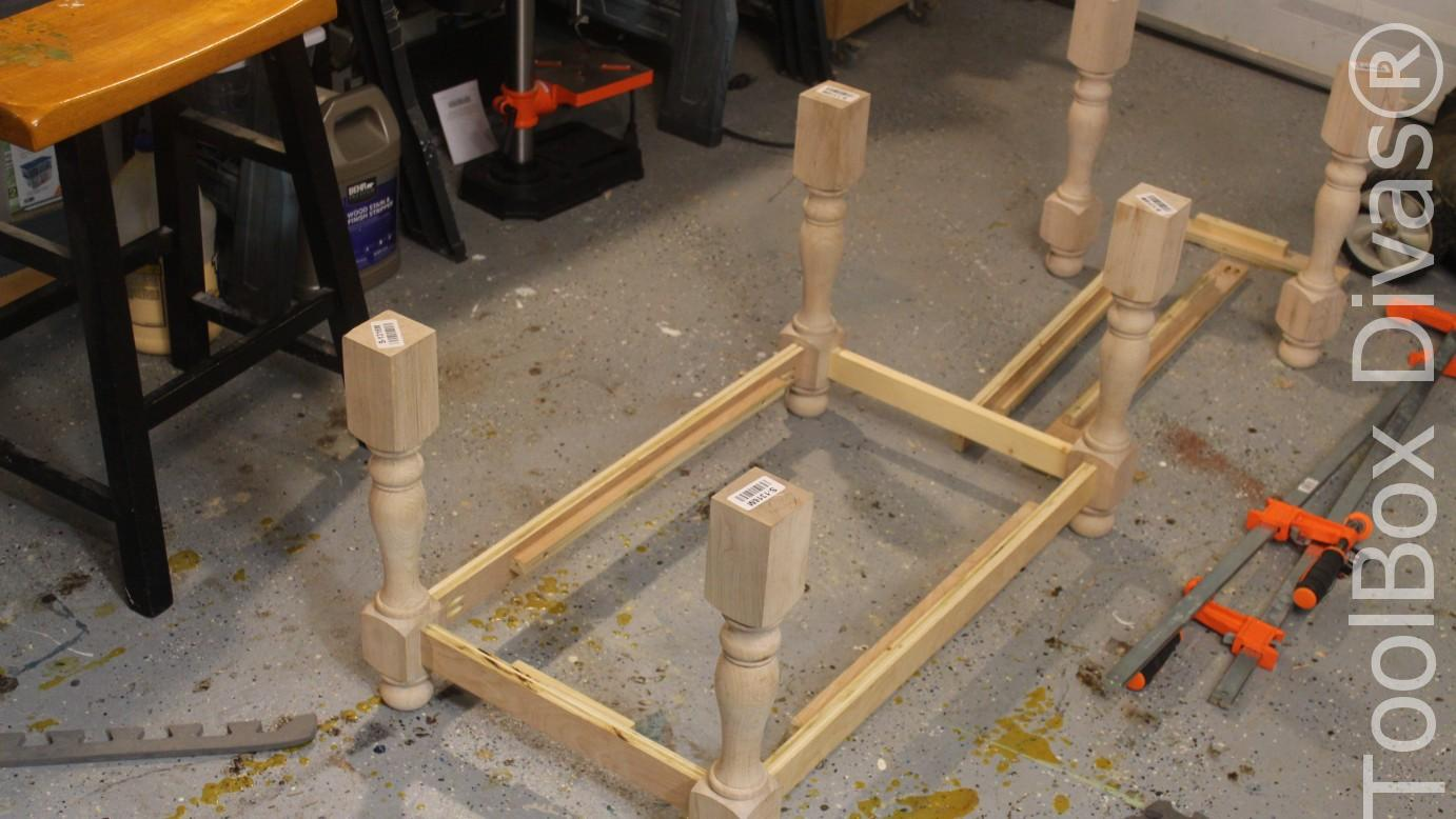 Picture of ASSEMBLE THE LOWER PORTION OF THE FRAME OF THE BENCH.