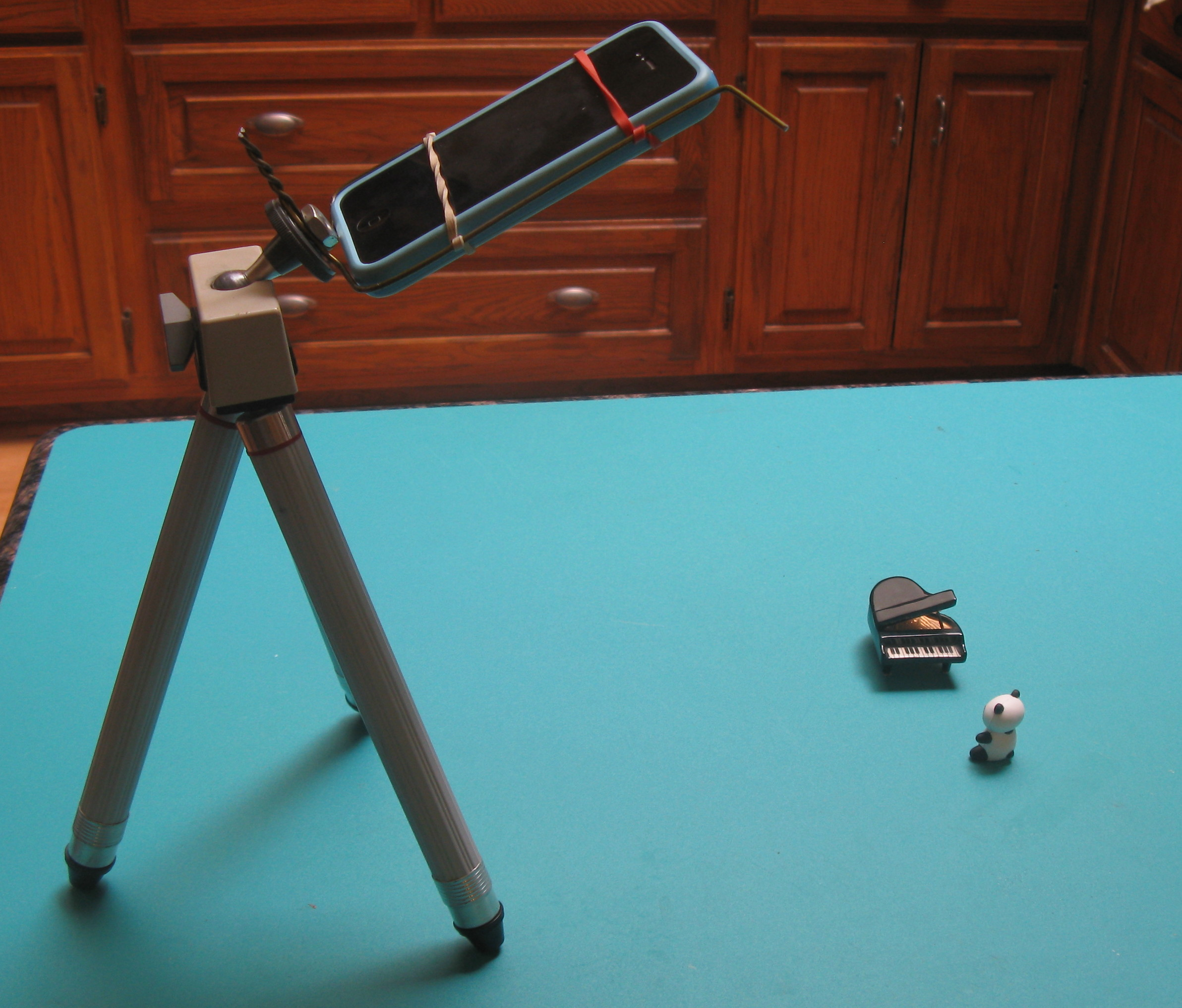 Picture of Nearly Free IPhone Tripod Adapter