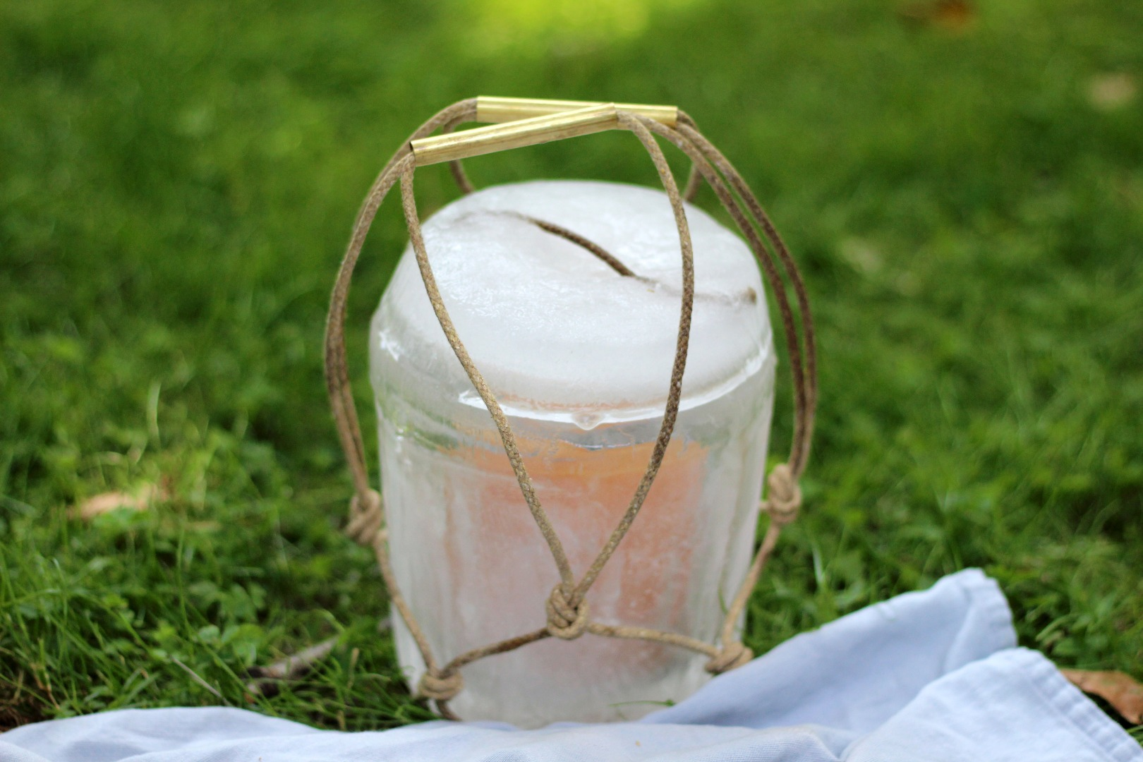Picture of Mini Cooler Made of Ice