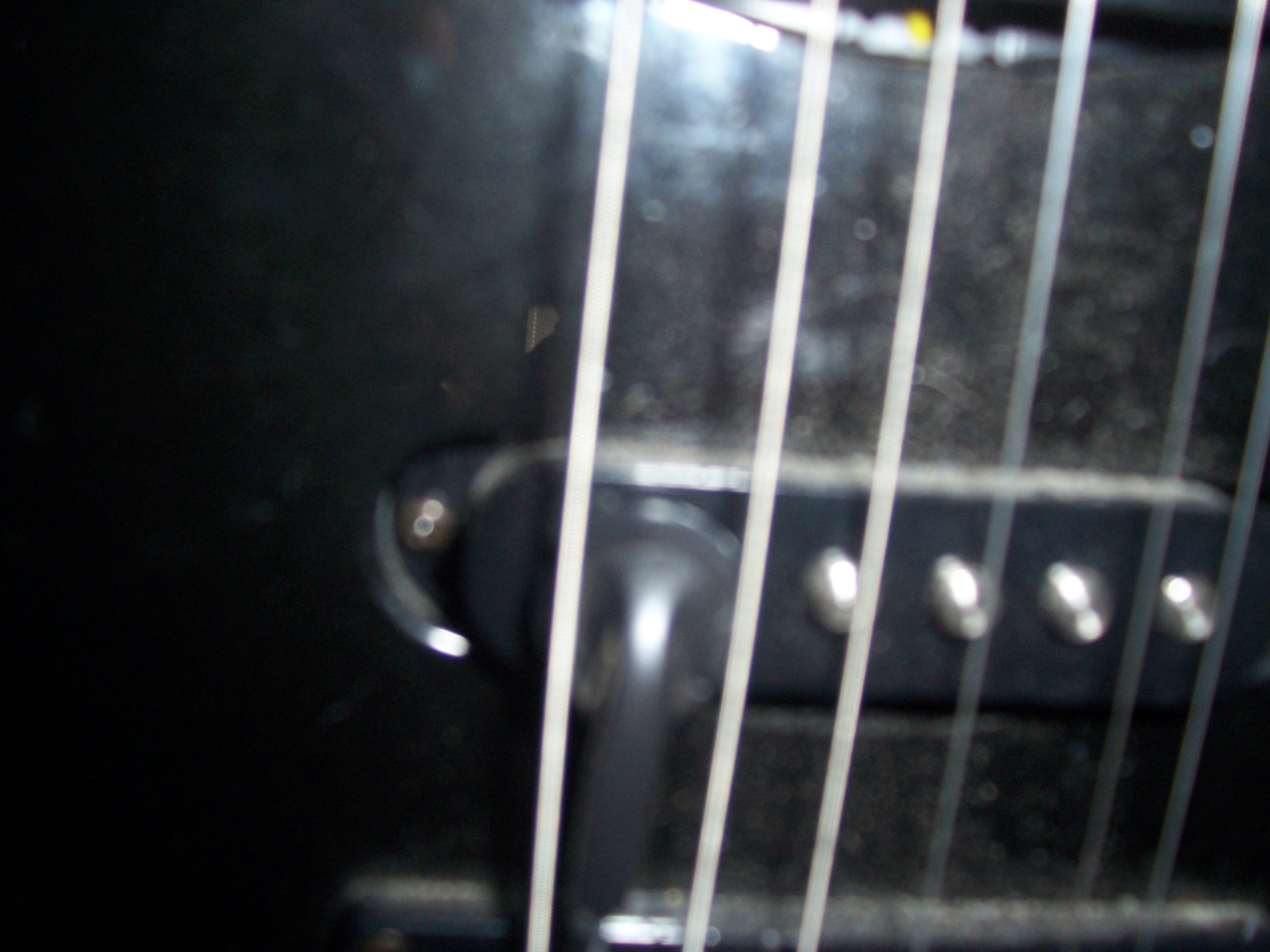Picture of Headphones-to-guitar
