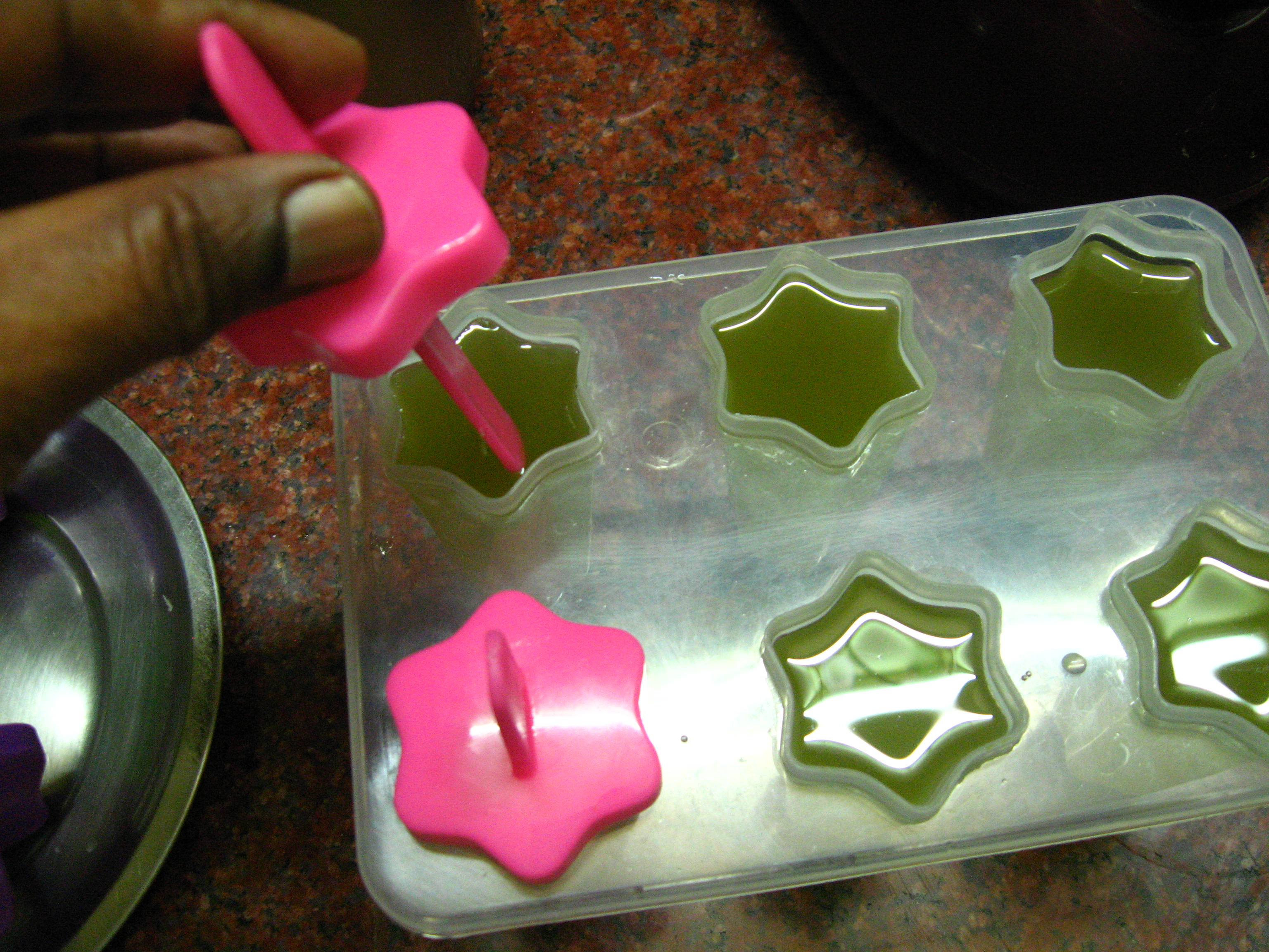 Picture of Fill and Freeze the Popsicles