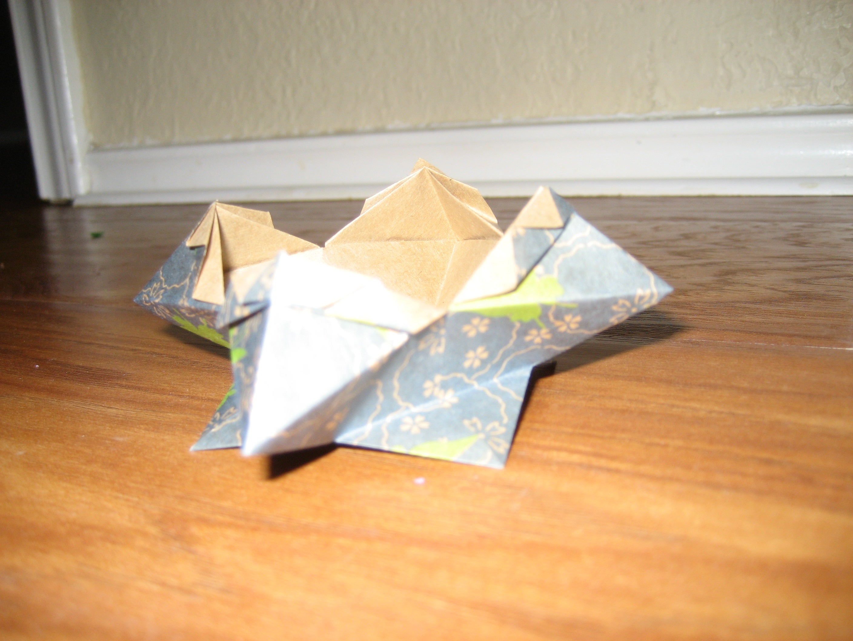 Origami Vase Cover Tutorial - Accordion Origami - Paper Kawaii | 2112x2816